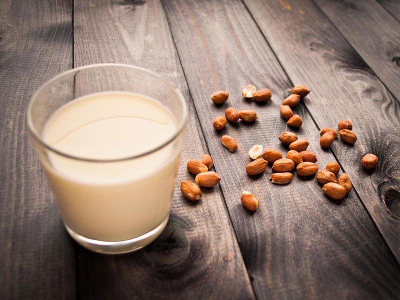 Bí quyết 3 cách làm sữa đậu phộng tạ nhà tuyệt đỉnh