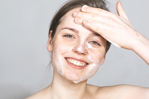 Da nhờn là gì? Hướng dẫn cách trị da nhờn hiệu quả