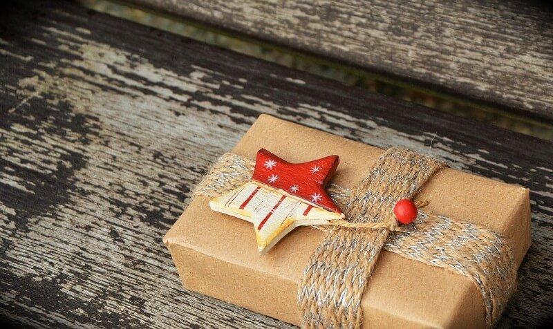 Tổng hợp cách gói quà bằng giấy kiếng mới nhất 2020