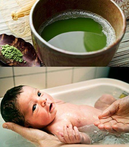 Bật mí trẻ sơ sinh tắm lá chè xanh có tốt hay không