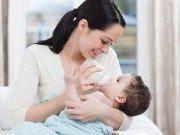 Hướng dẫn bí quyết tập trẻ bú bình an toàn và hiệu quả nhất