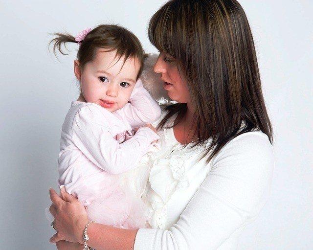 Hướng dẫn cách giải quyết khi bé đi nhà trẻ khóc nhiều