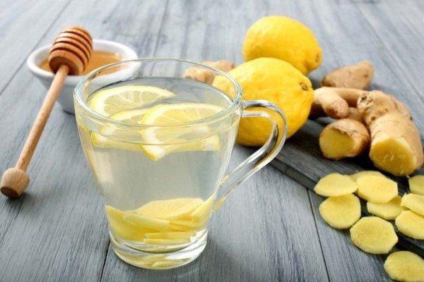 uống nước ấm mật ong mỗi sáng