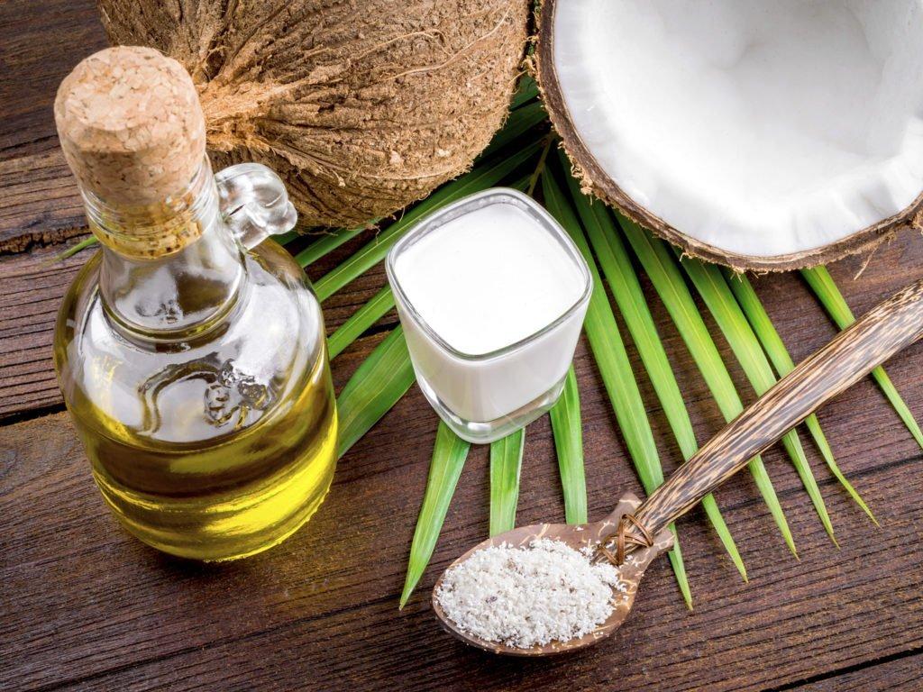 Cách làm dầu dừa nguyên chất bằng phương pháp nấu và ép - BlogAnChoi