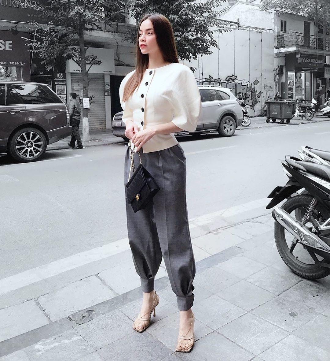 Sao Việt ngày 22/2: Hồ Ngọc Hà triết lý về tình yêu, Ngọc Trinh khoe dáng  nuột - VietNamNet